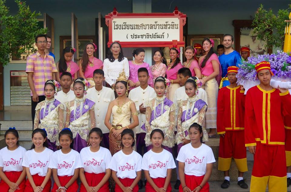 XploreAsia participants taking part in the Buddhist Lent parade with the local school!
