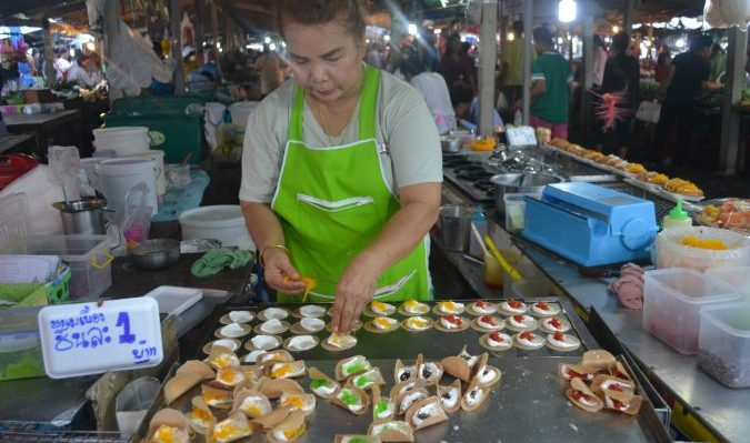 thai street food, thai market, hua hin, thai food, xploreasia, teach english, Thailand