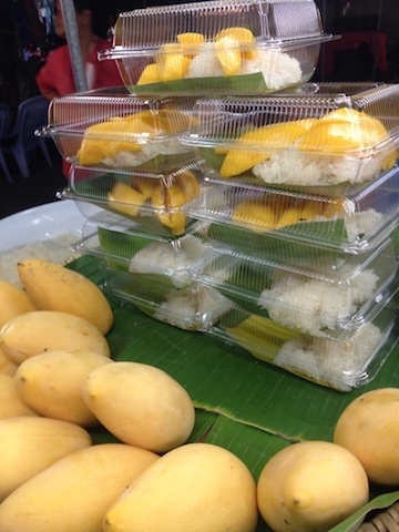 Mango Sticky Rice, Vegetarian Food in Thailand