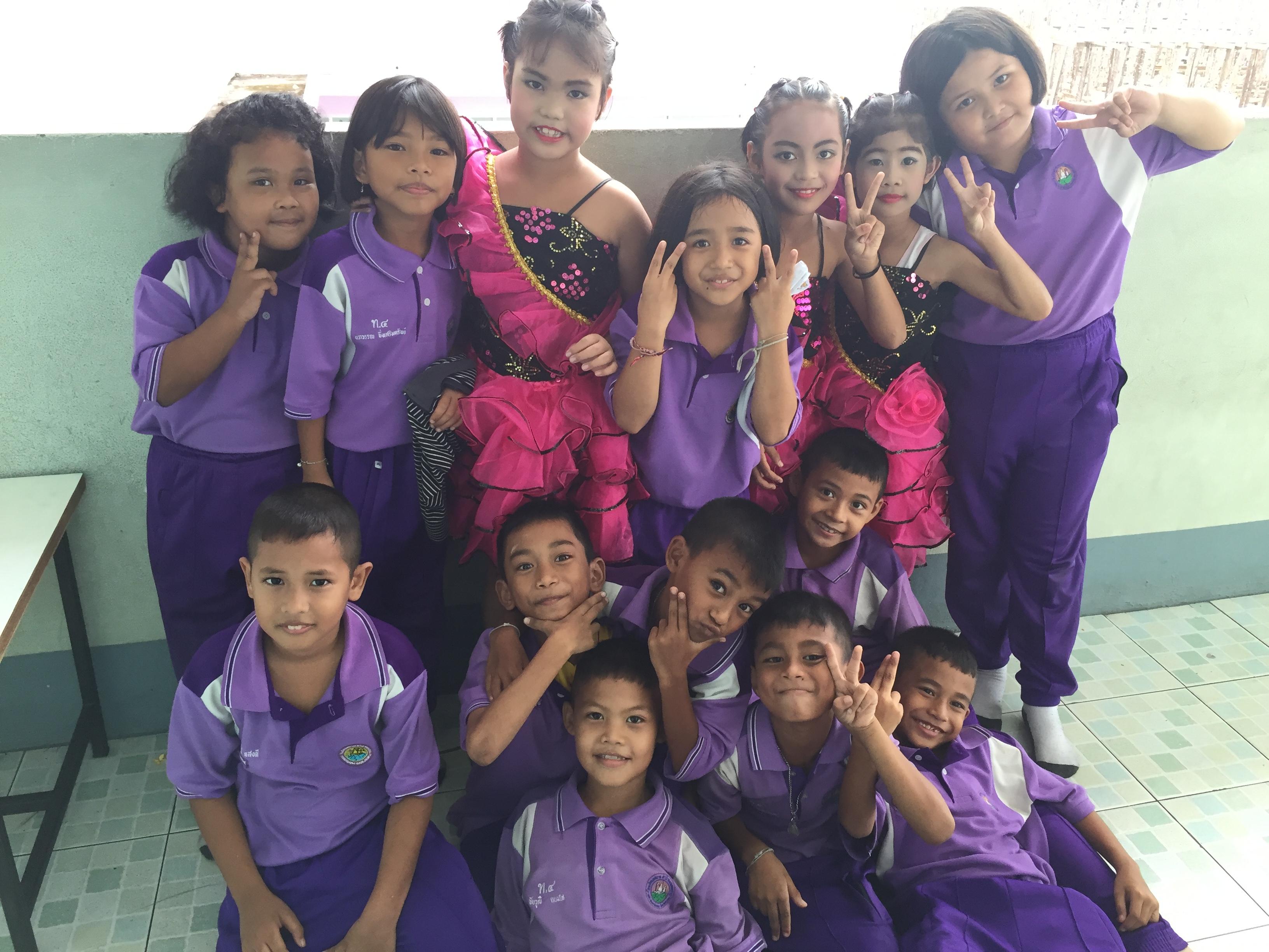 children in Thai school