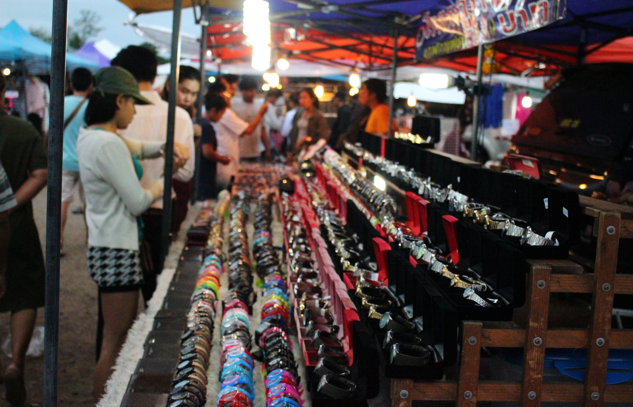 Teaching in Thailand; the Tuesday market at Hua Hin