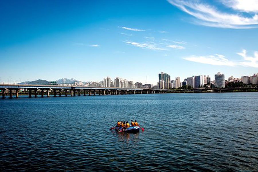 places to go in Seoul - Han River