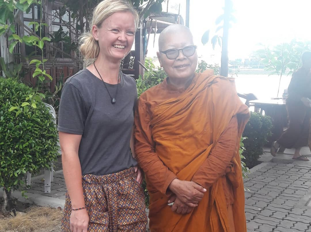 Ané and one of the Bhikkhuni at the meditation center in Thailand